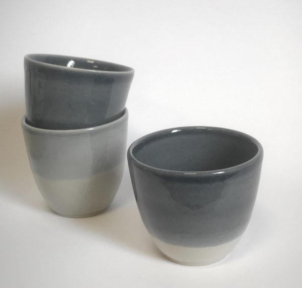 Tasses en Grès de la collection Bicrome - Pièce tournée à l'atelier - Céramique alimentaire et décorative